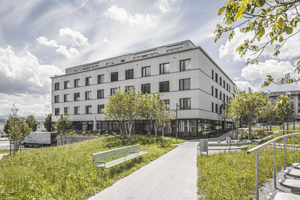 Zentrumsüberbauung Spelteriniwiese, Bazenheid Fassenbekleidung hinterlüftet